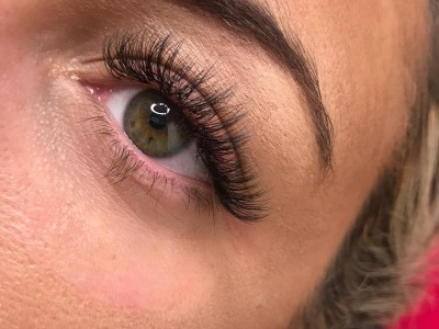 Lash Extensions Special Offer – Valentines Day!